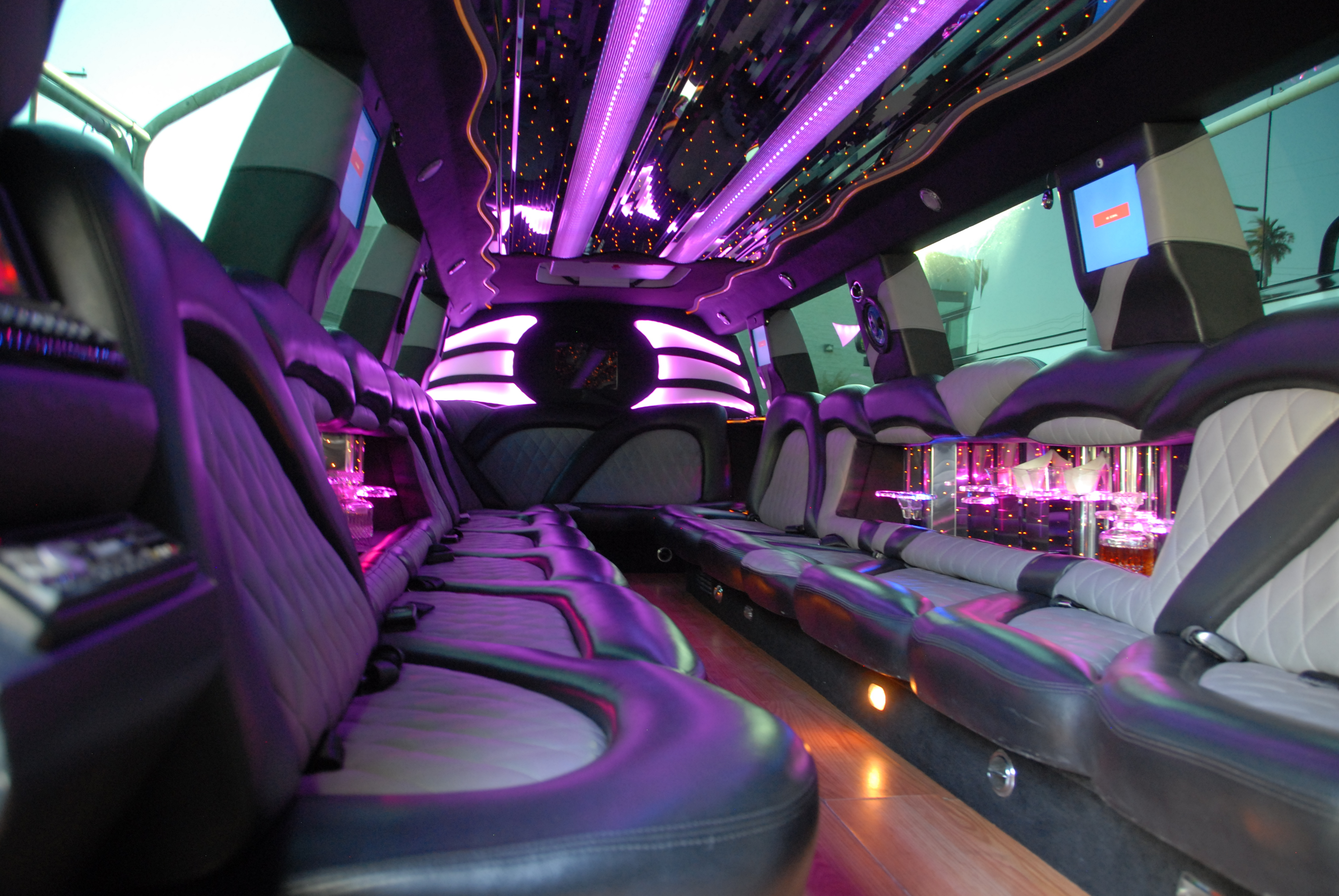 Be Stylish at Your Prom With Prom Limo Chicago
